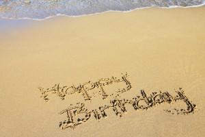 happy_birthday_in_sand_188895